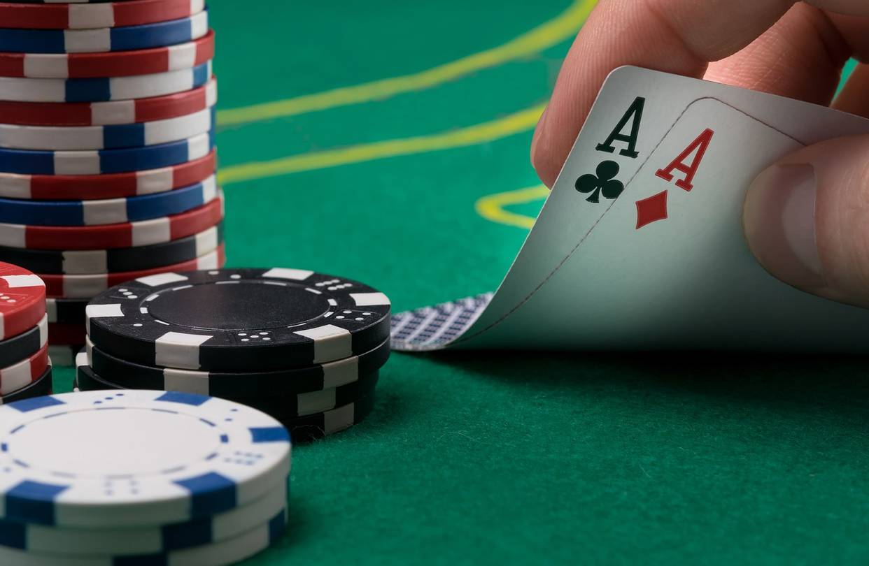 Why online casino is considered better than the real casino