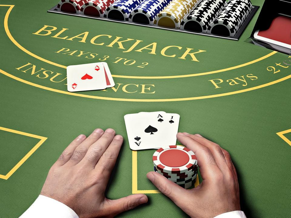 How to play Blackjack in Canada?